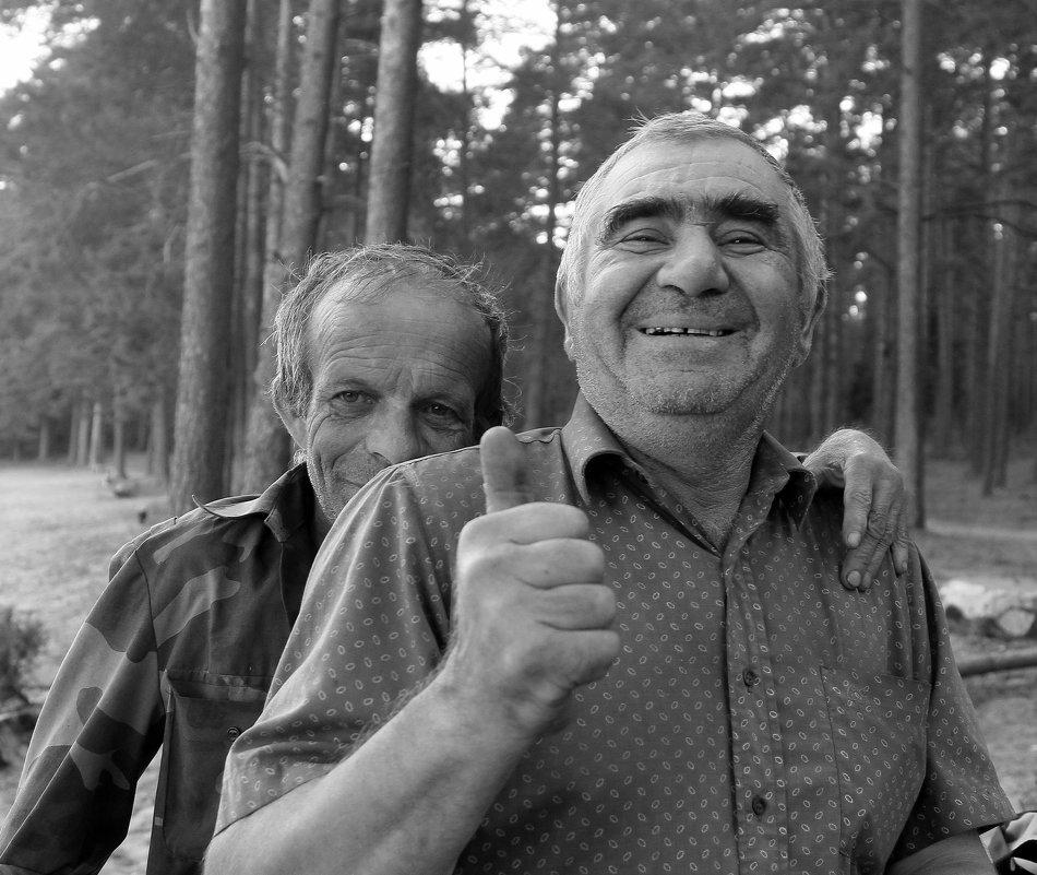 Друзья - Виктор Истомин