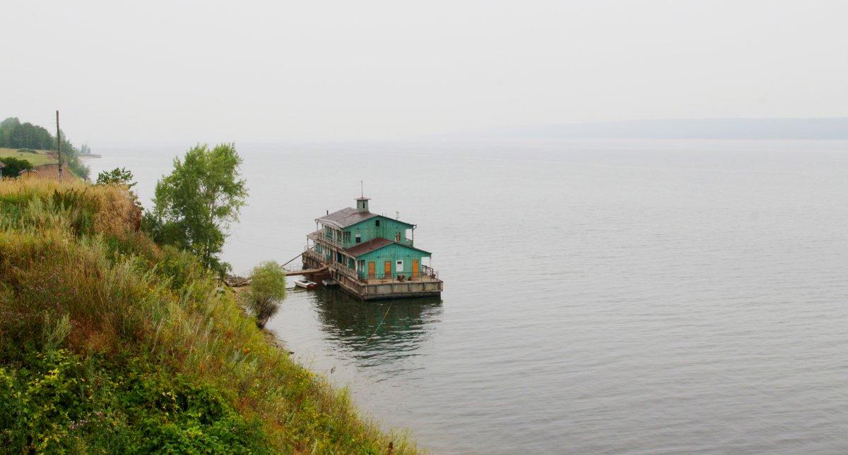 Одинокая пристань на Волге - Damir Si