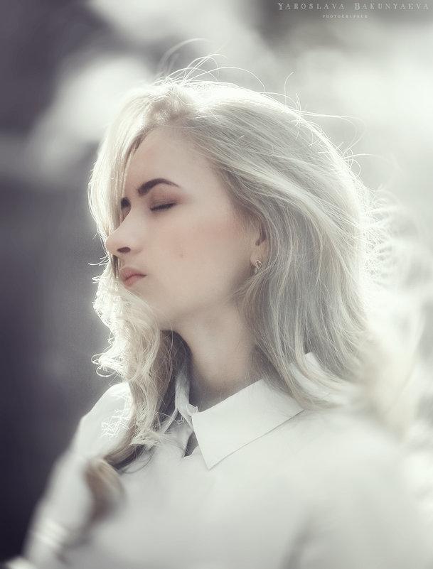 незнакомка - Ярослава Бакуняева
