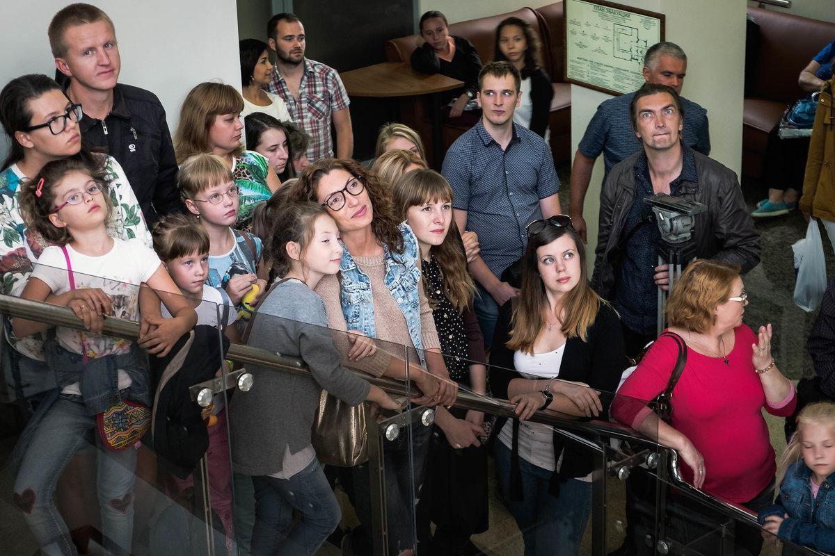 Очарованные музыкой. Концерт флейтистов на лестничном марше музея - Марк