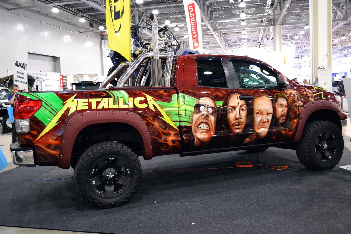 У этой Toyota Tundra явно Metal Heart... - Борис Русаков