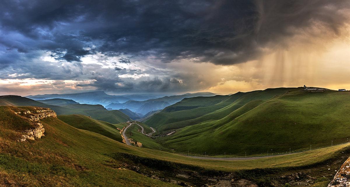 Гроза в долине на закате - Александр Хорошилов