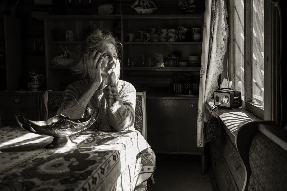 Но о чём эта жизнь  так упорно молчит?! - Ирина Данилова