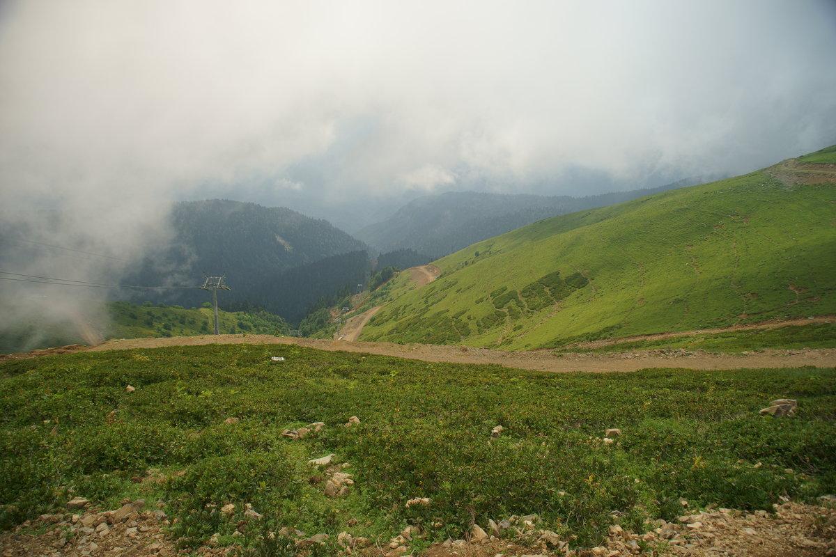 горы в облаках - Олег Кручинин