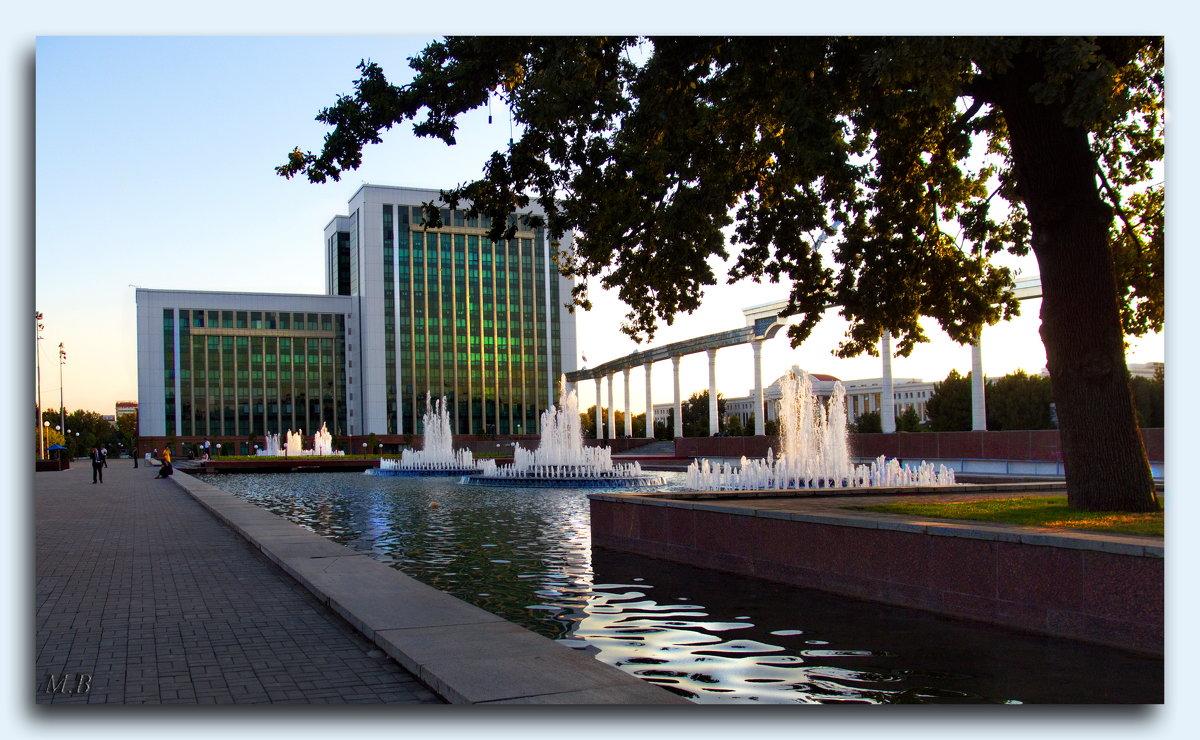 Самое сердце столицы Узбекистана-Ташкента.Преддверие площади Независимости! - Людмила Богданова (Скачко)