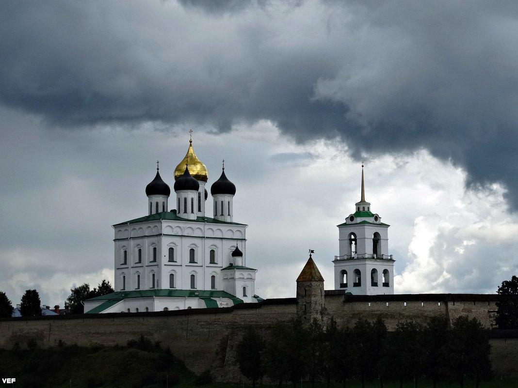 Троицкий собор Псковского Кремля. - Fededuard Винтанюк