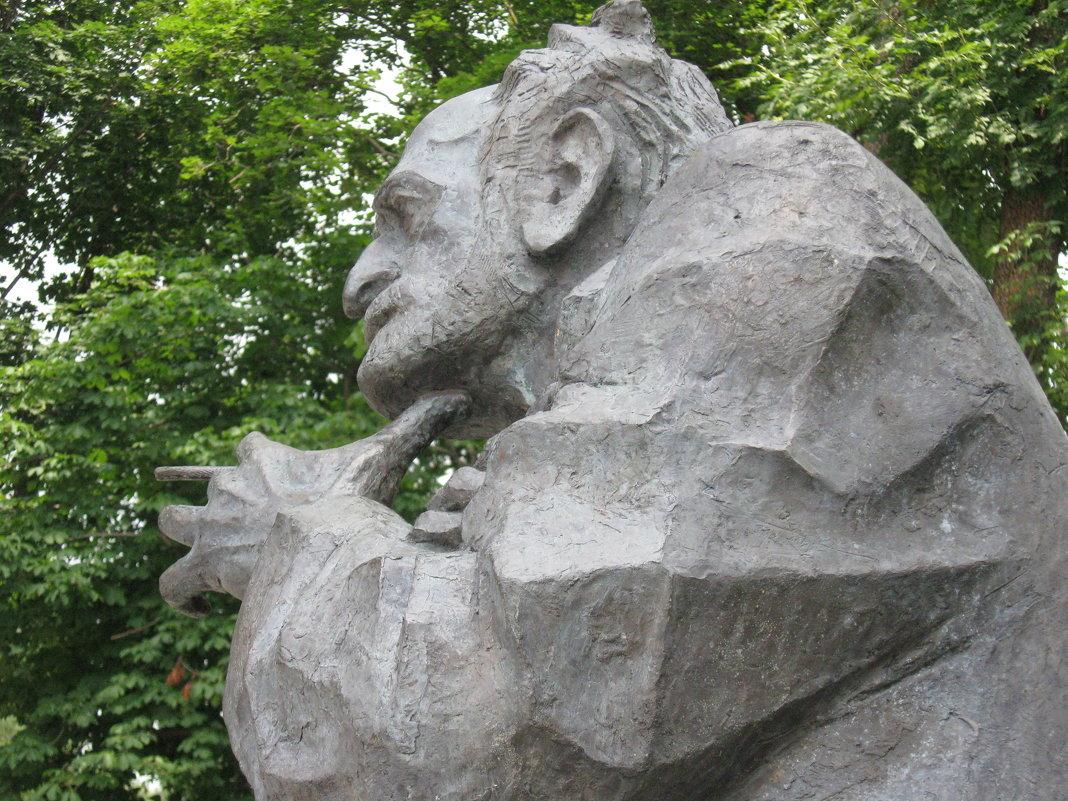 Памятник Соса Саркисяна - Volodya Grigoryan