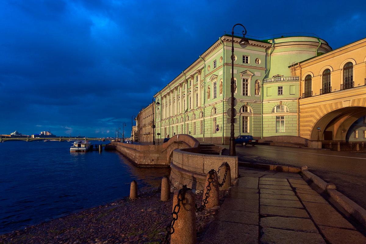В закатных лучах - Владимир Миронов