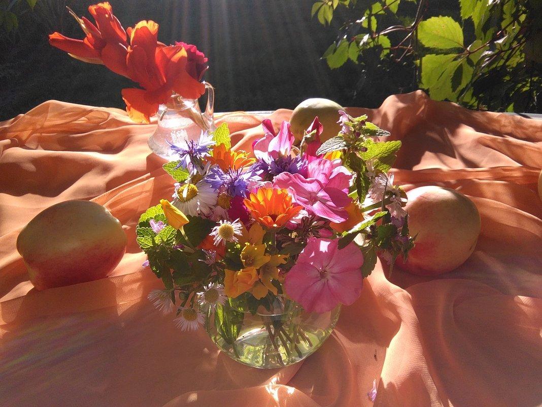 в солнечных лучах - Mariya laimite