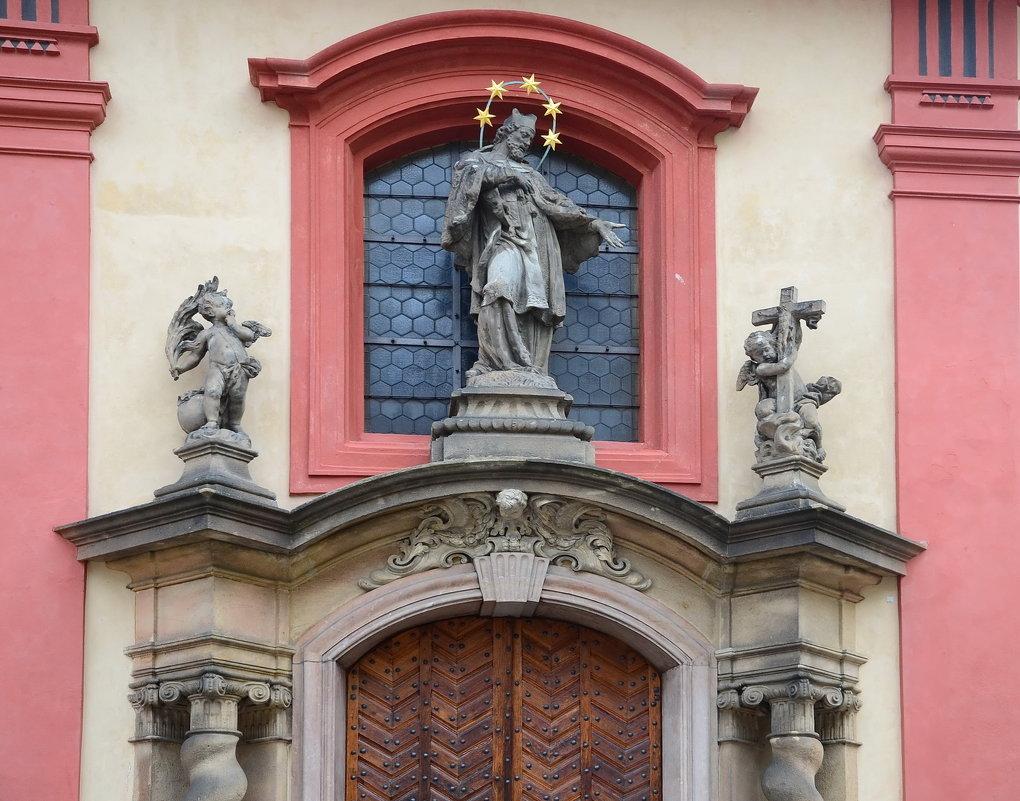 Оформление двери Базилика св.о Георгия - Владимир Брагилевский