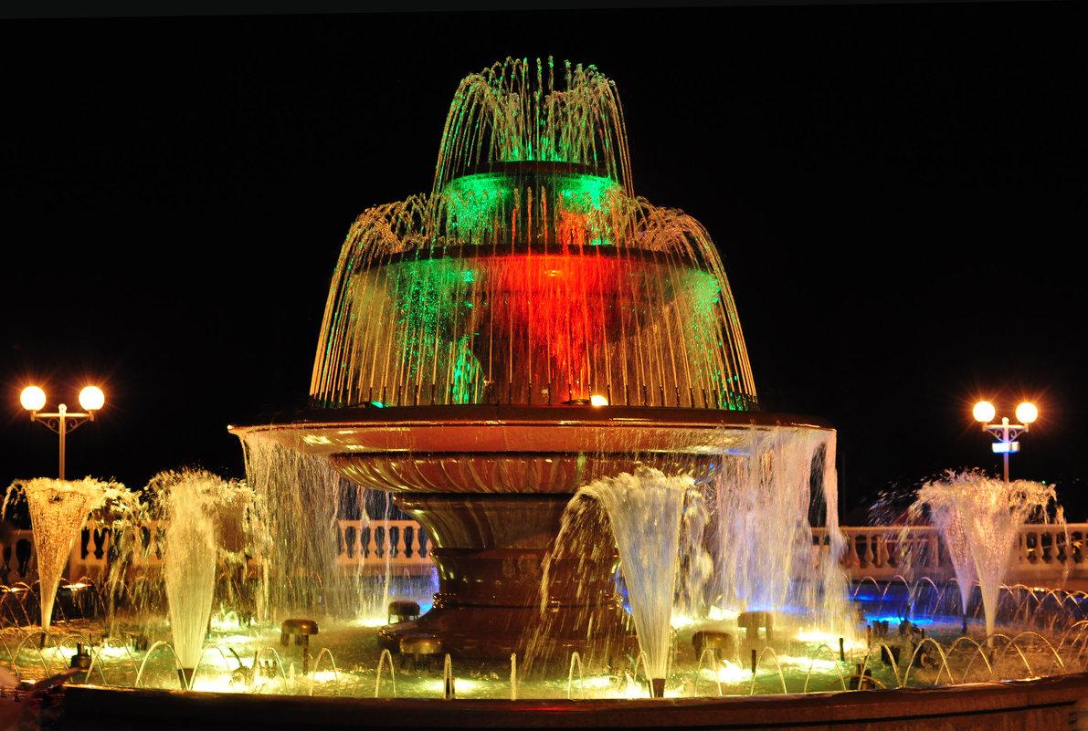 вечерний фонтан - Августа