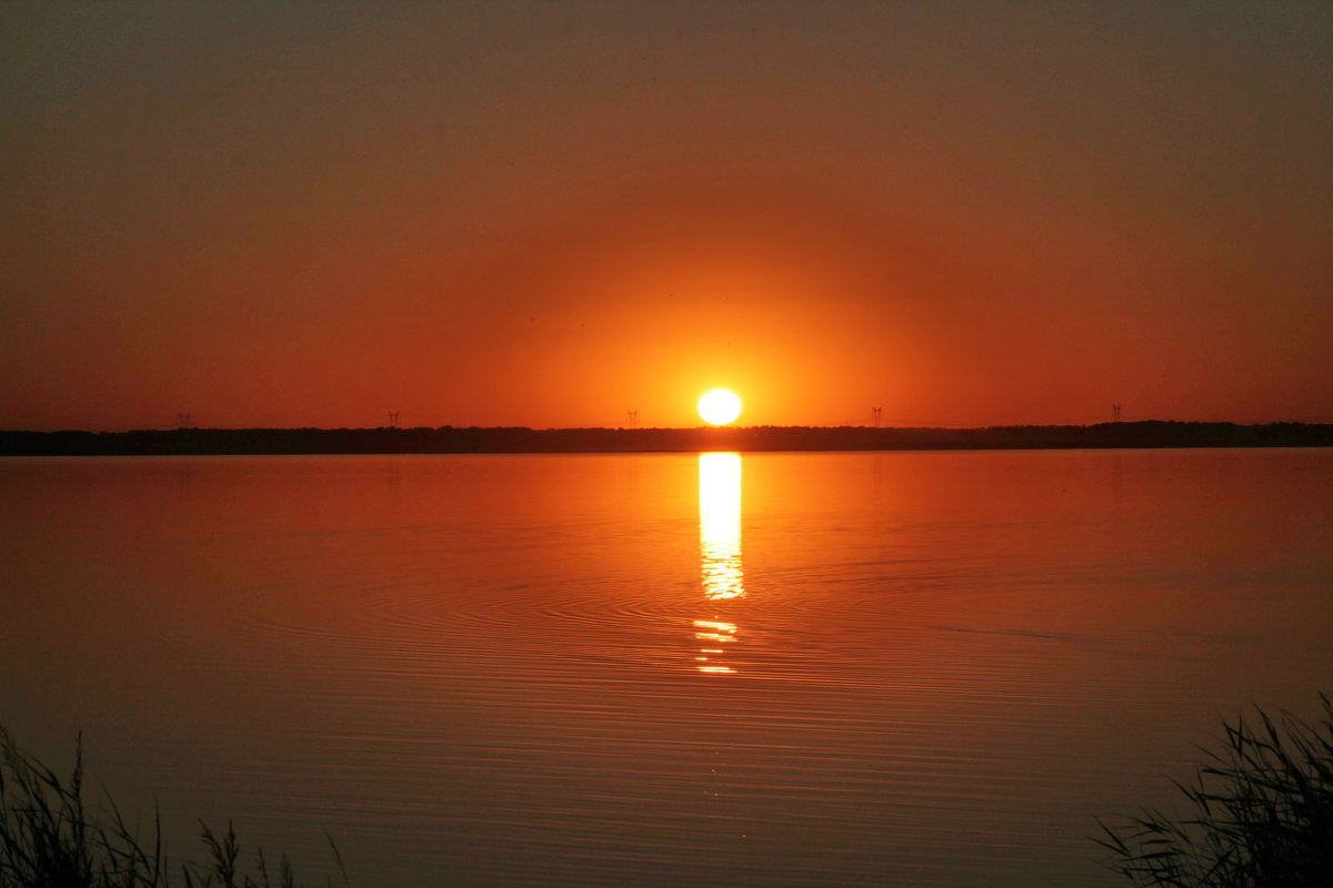 Закат на солёном озере Мормышанское. - Олег Афанасьевич Сергеев