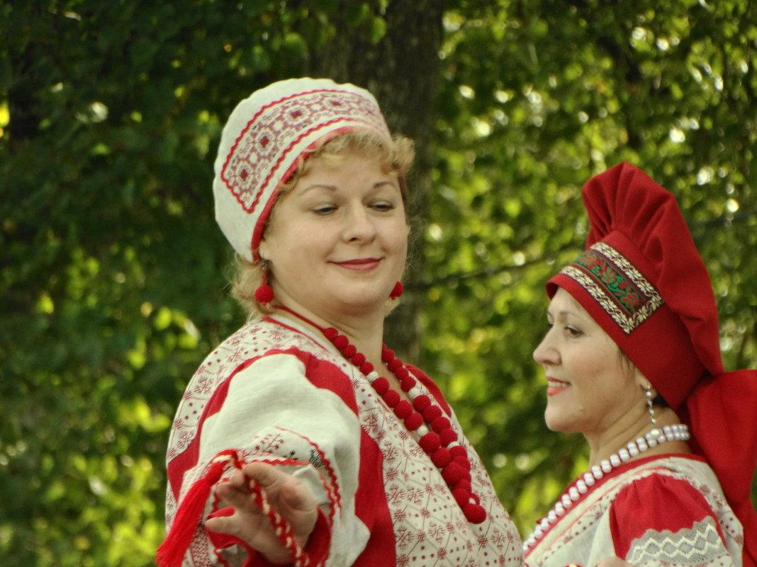 в танце - Михаил Жуковский