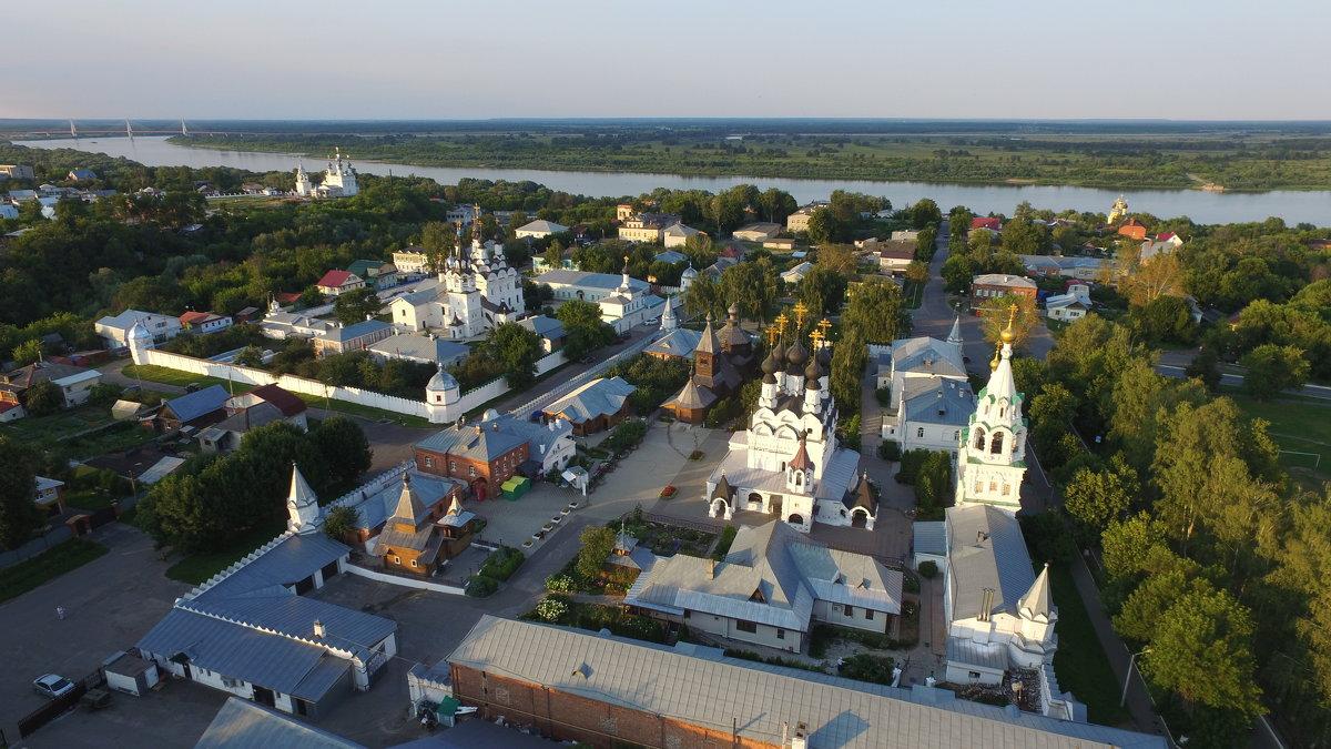 Три монастыря - Николай