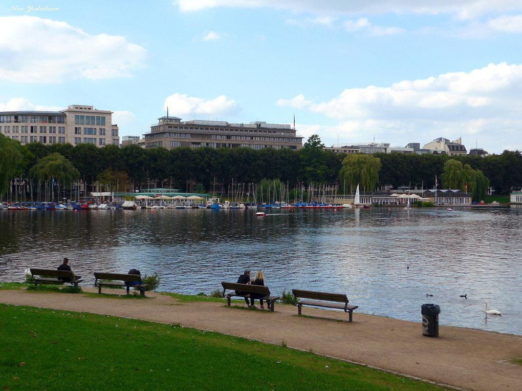 На озере Альстер (серия) Отдых у озера - Nina Yudicheva