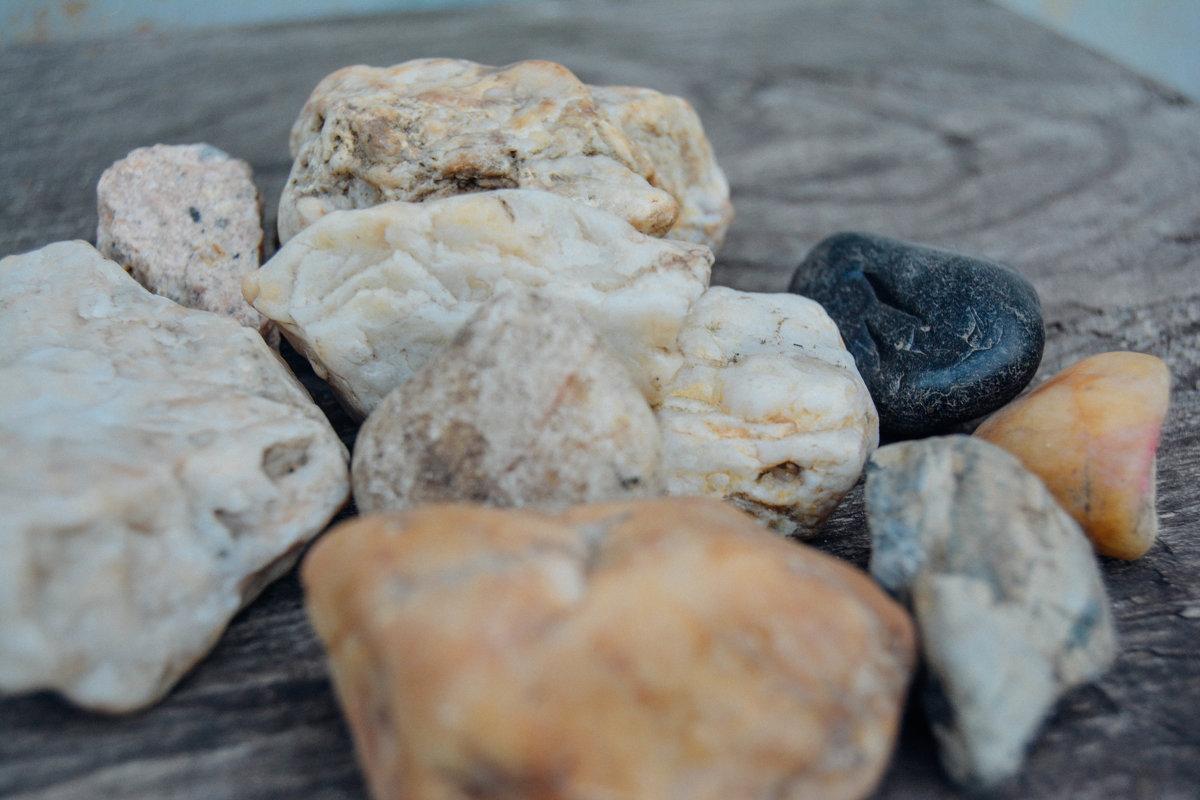 Камни - Света Кондрашова