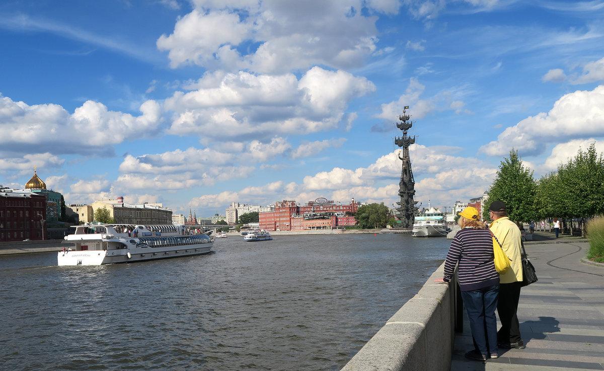 Прогулка по набережной - Татьяна Нижаде
