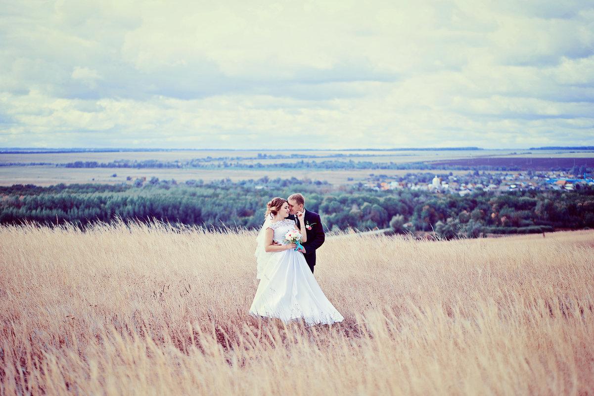 Свадебная фотосессия в поле - марина алексеева