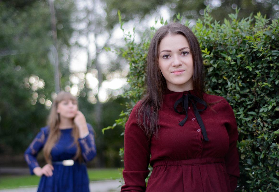 Лена и Оксана (серия) - Сергей