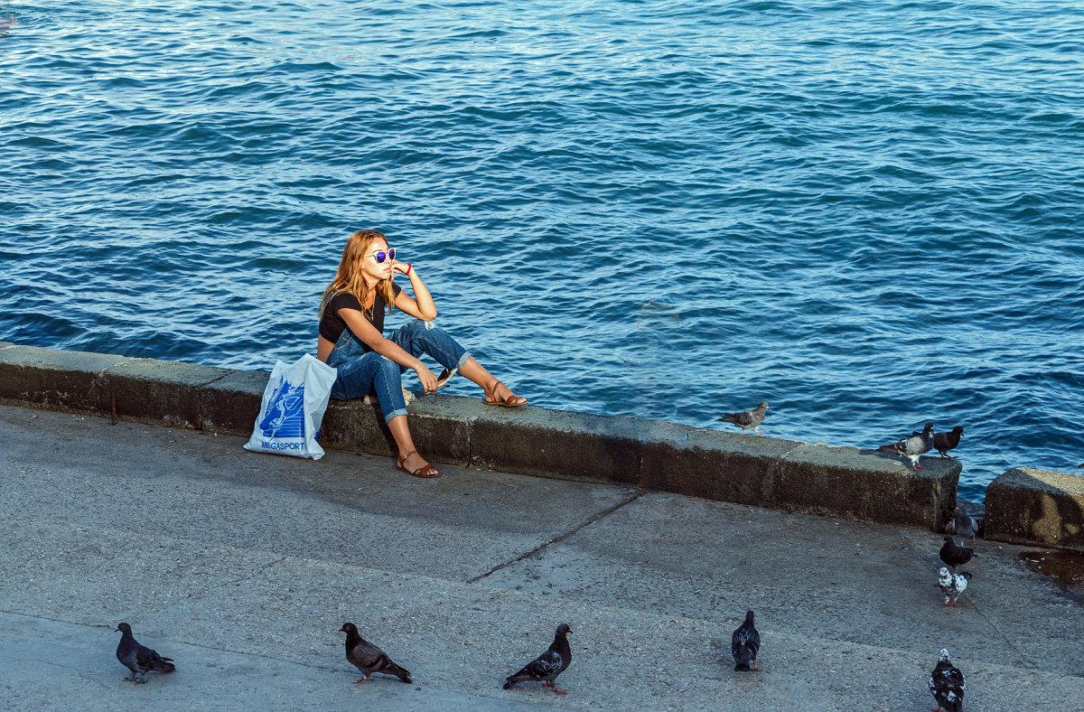 Вечерние мечты над морем в компании голубей - Юрий Яловенко