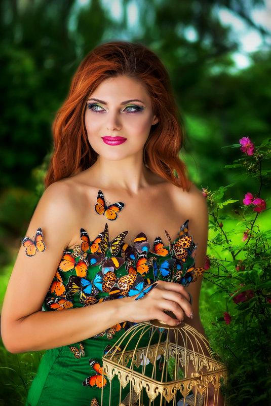 Девушка в бабочках - Светлана