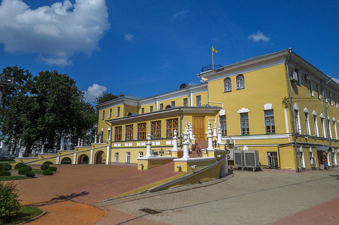 Губернаторский дом - Сергей Цветков