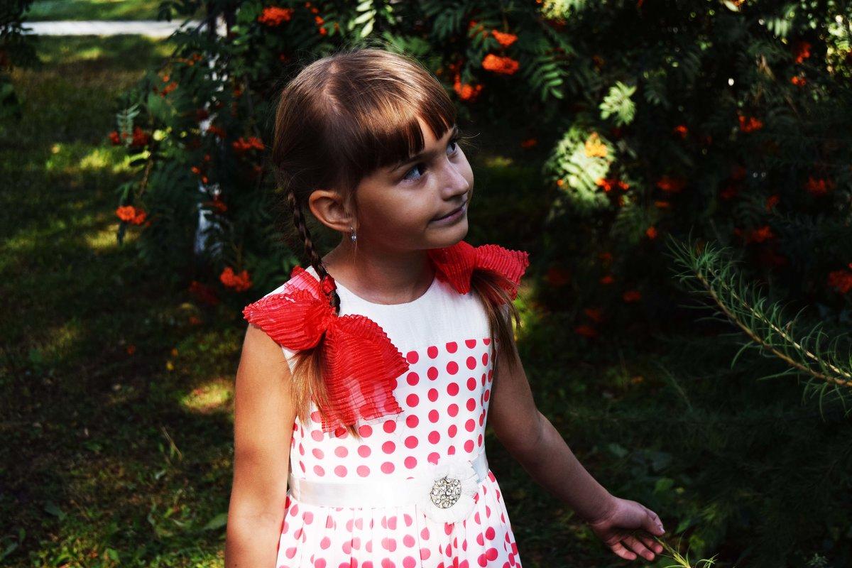 Девочка Аня - Ольга