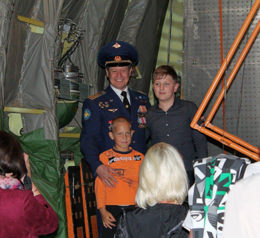 Фото на память с бравым летчиком! - Анастасия Яковлева