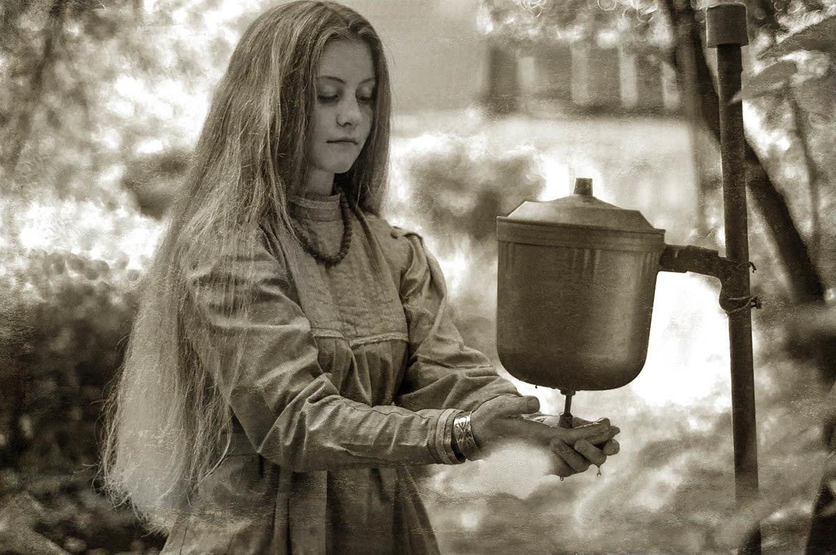 Что в этой жизни суждено -  и не измерить... - Ирина Данилова