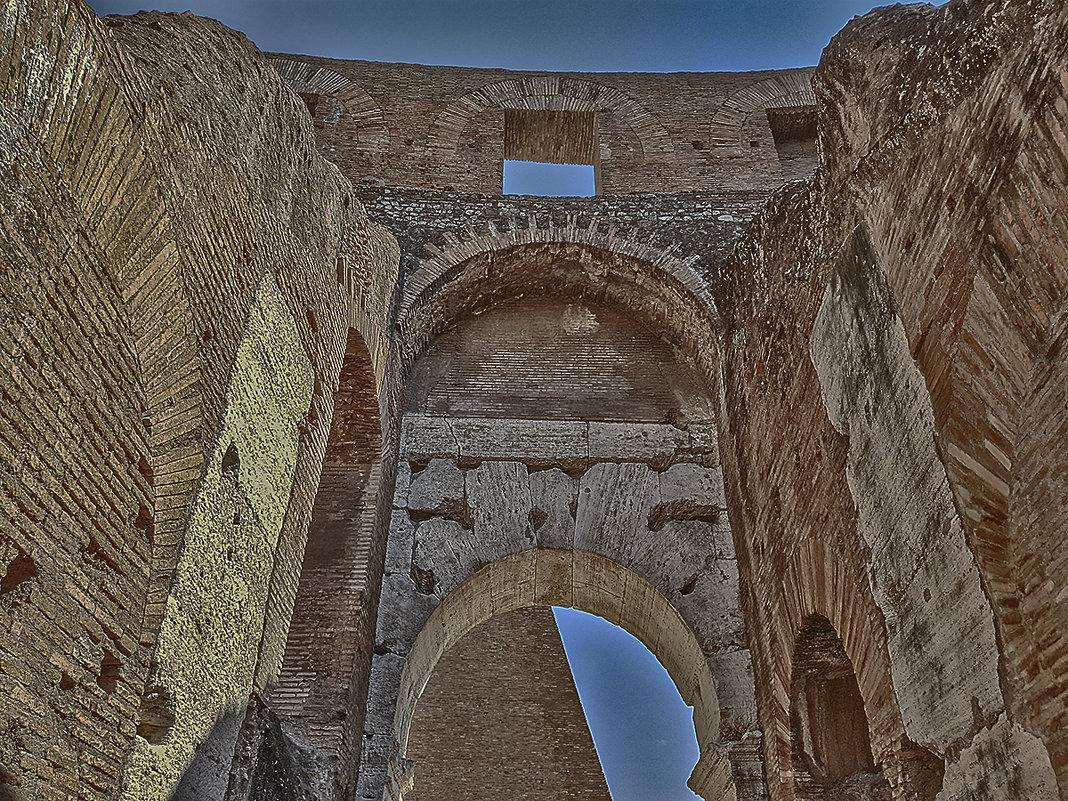 Фактура древних стен - сергей адольфович