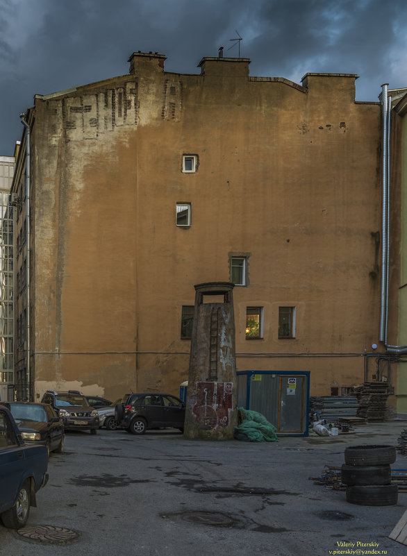 Двор - Valeriy Piterskiy