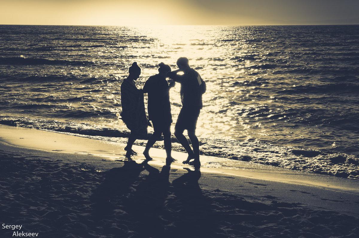 Танцы на закате - Сергей Алексеев