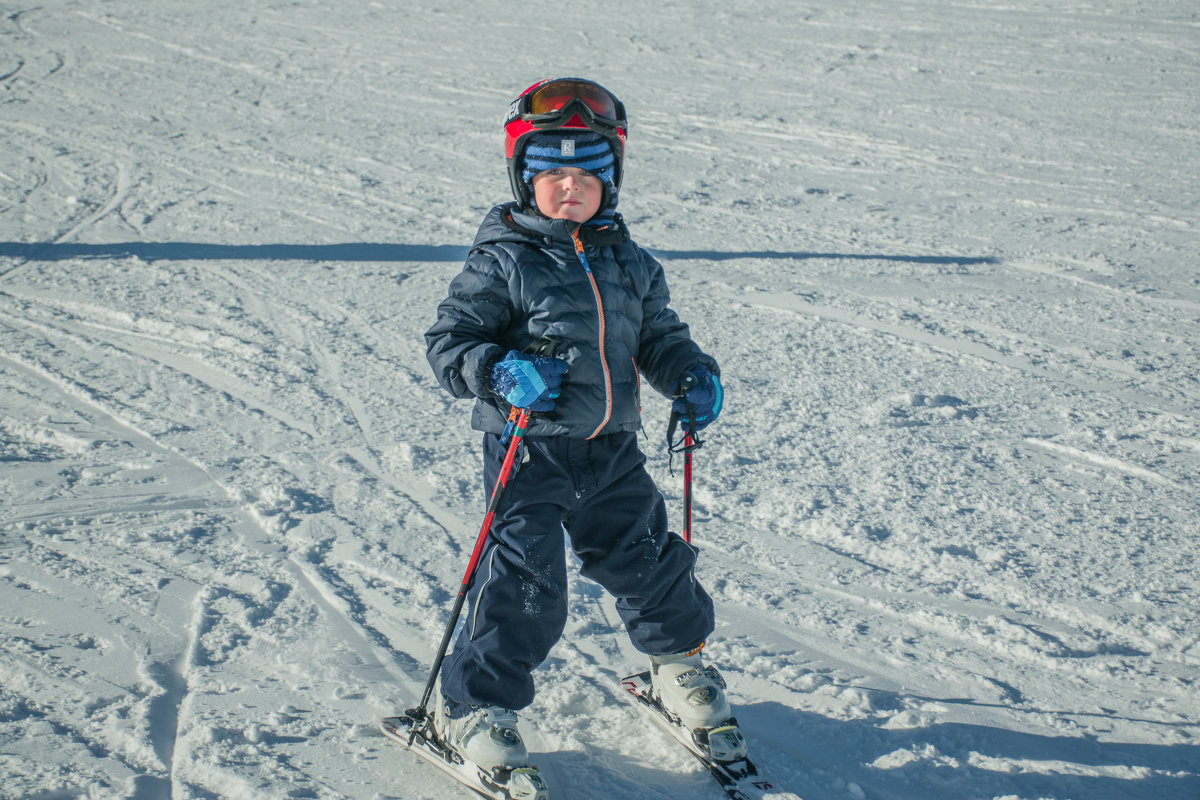 Юный горнолыжник - Юрий Борзов
