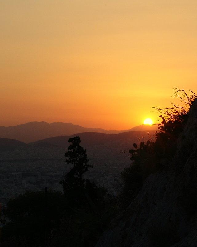 Вид с Ликавито на заходящее солнце. - Оля Богданович