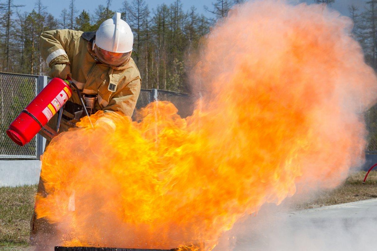 Борьба с огнем - Дмитрий Сиялов