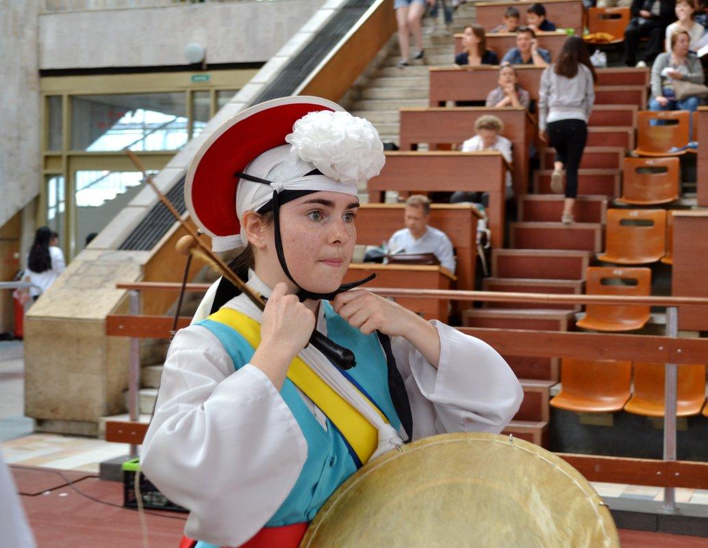 Милая барабанщица - Mariya Zazerkalnaya