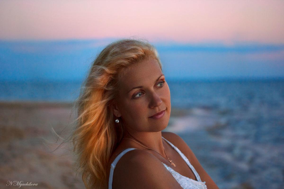 На закате - Наталья Мячикова
