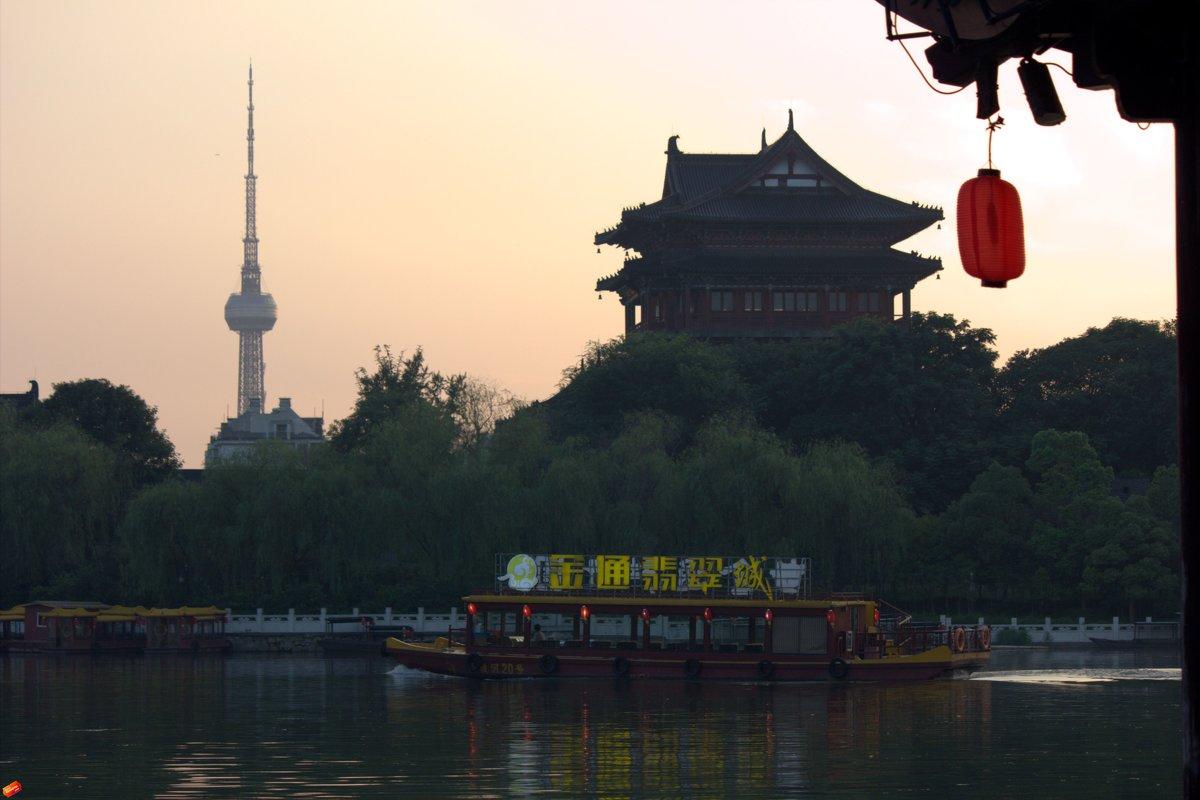 Вечер на озере в  Тайчжоу - Виталий  Селиванов