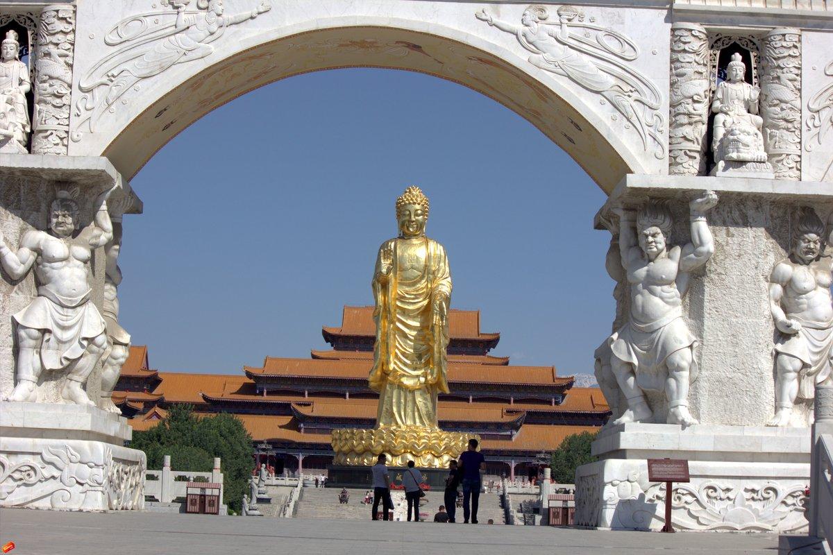 Храм  Золотого Будды - Виталий  Селиванов