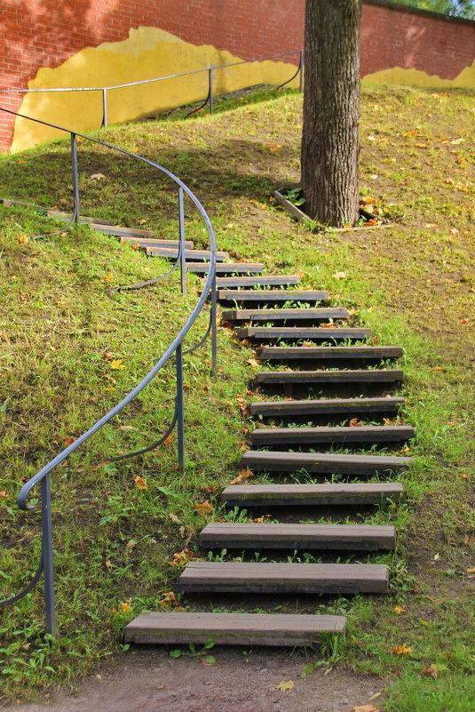 Крутые ступеньки лестницы жизни.... - Tatiana Markova