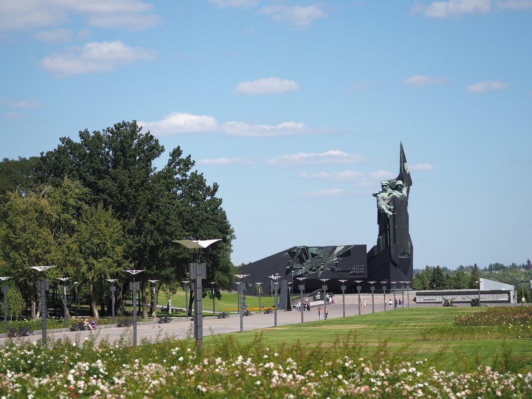 Монумент «Твоим освободителям, Донбасс» («Освободителям Донбасса») - Игорь Касьяненко