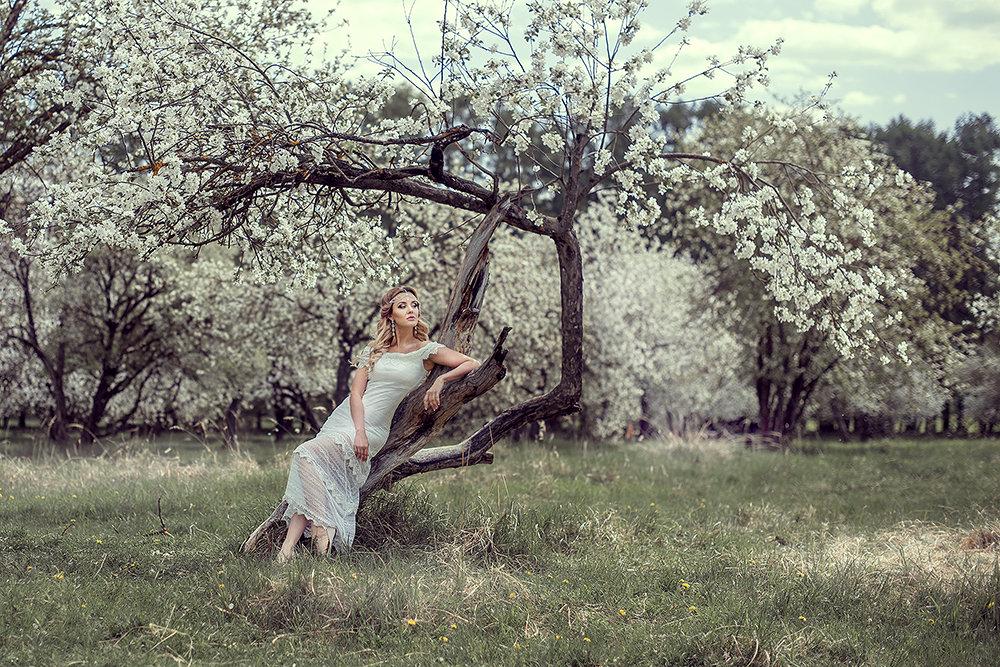 весенняя - Yana Sergeenkova