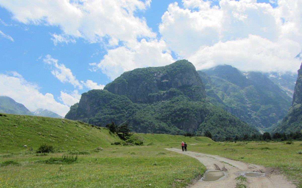 Двоем в горах - Виталий Купченко