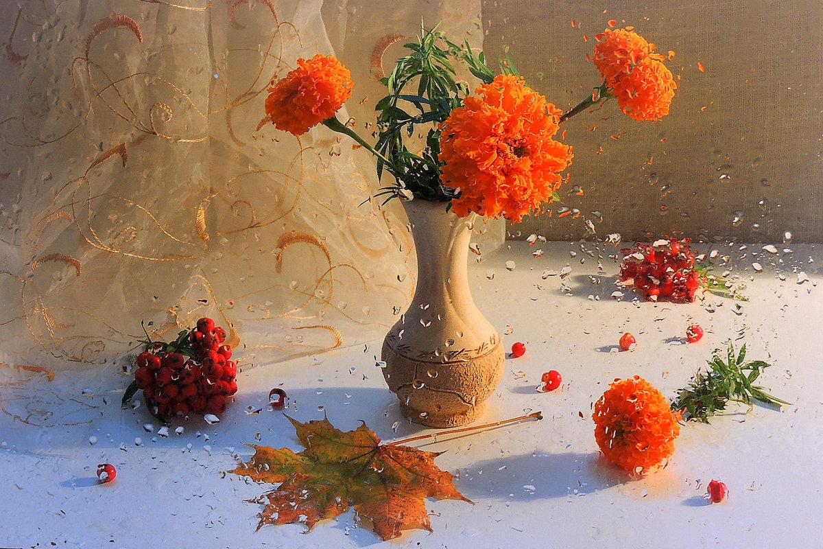Яркая осень, несмотря, что за окном идут  дожди - Павлова Татьяна Павлова