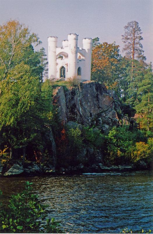 В парке Монрепо - Александр Петров
