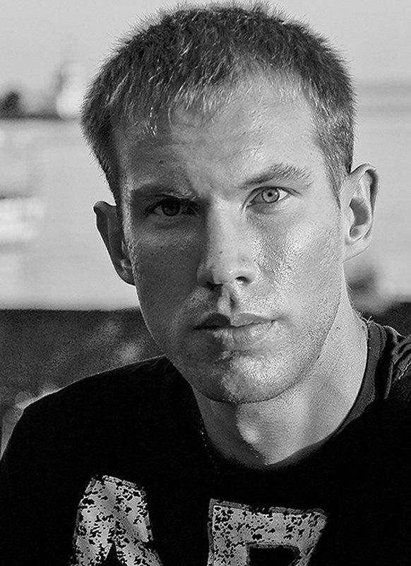 портрет молодого человека - Vasiliy V. Rechevskiy
