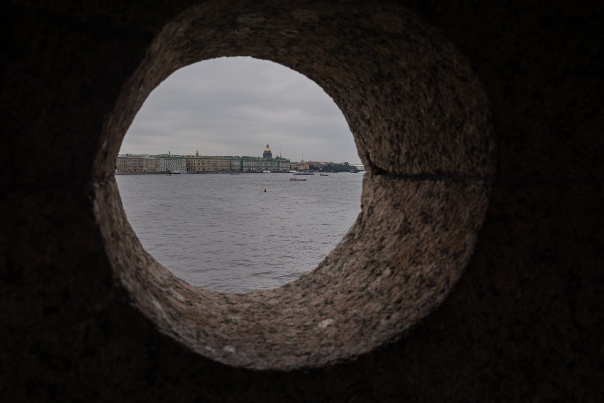Город в каменном кольце - Сергей Анисимов