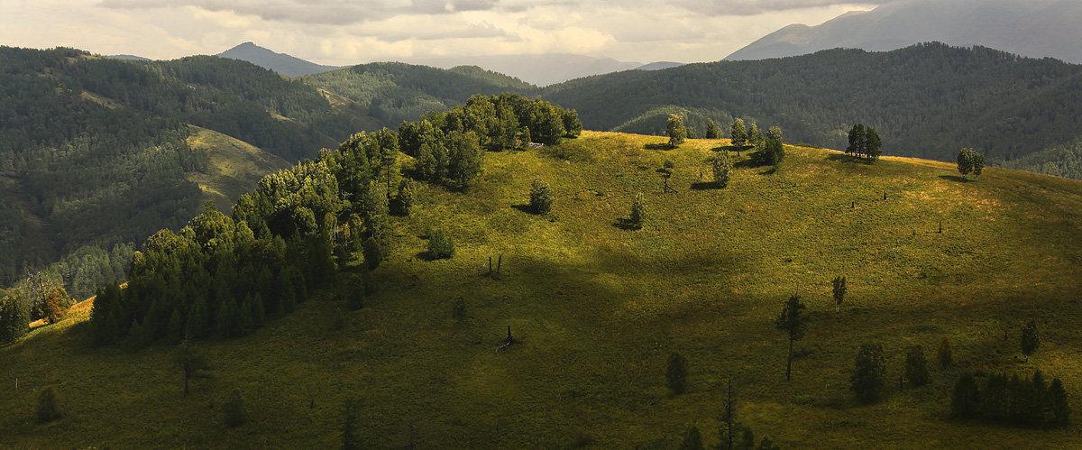 И луч дневной, горит в горах на рёбрах туч 3 - Сергей Жуков
