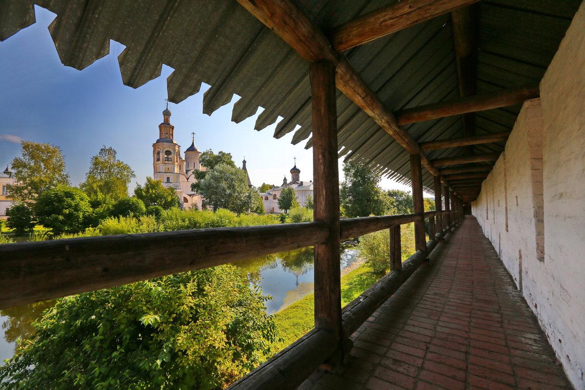 В монастыре - Александр Сивкин
