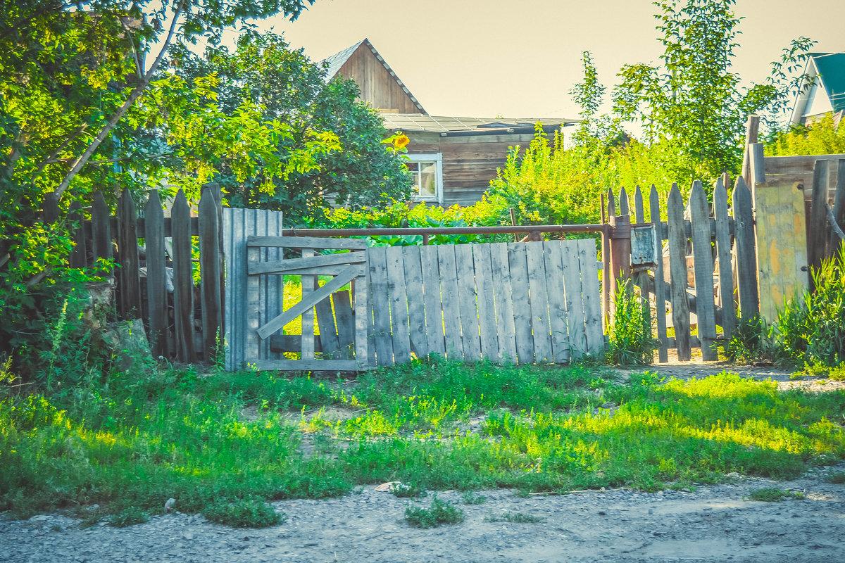 старенький домик в деревне - Света Кондрашова